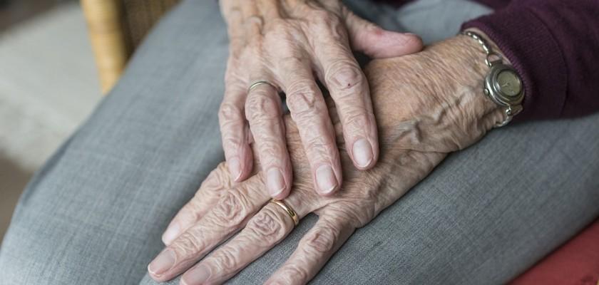 El papel del logopeda con los pacientes de la tercera edad - Centro Logos