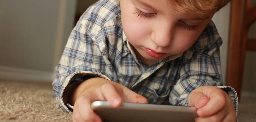 Infancia y nuevas tecnologías - Centro Logos